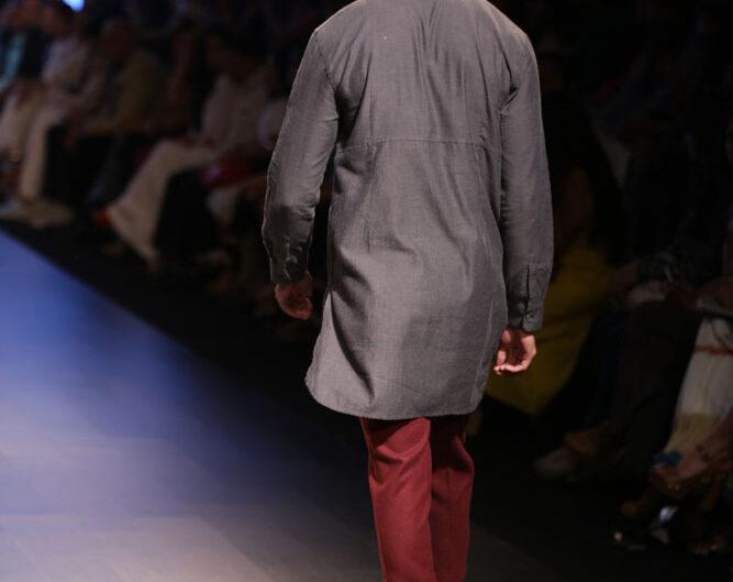vaibhav_singh_lakme_fashion_week_menswear_look_5_back